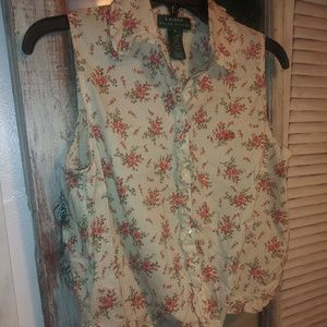 Beautiful floral no sleeve top.